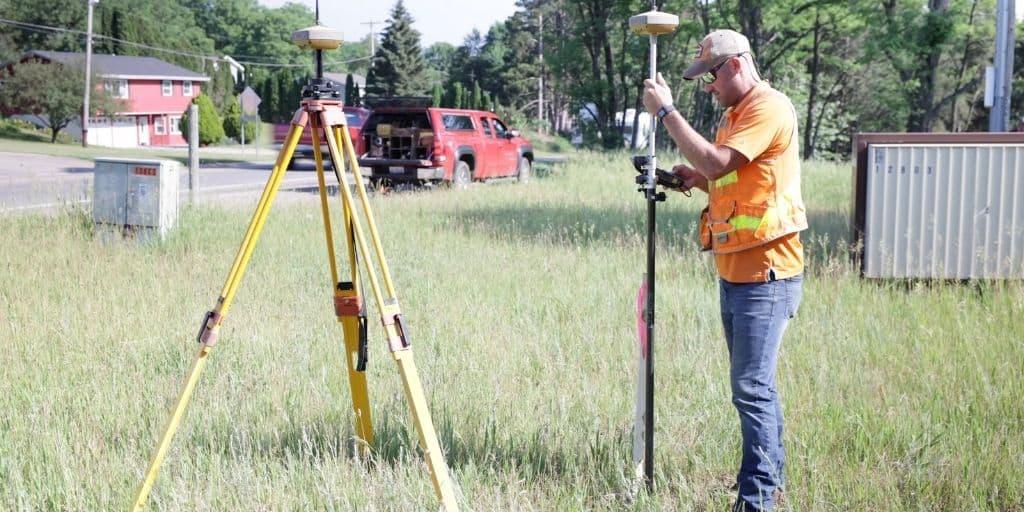 topographic survey surveyor