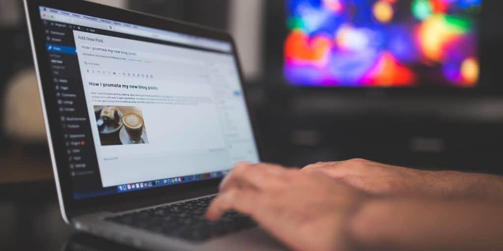 real estate investor creates blog posts on WordPress